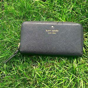 KATE SPADE black leather zipper wallet